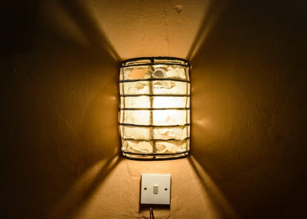 תאורה צמודת קיר לעיצוב הבית